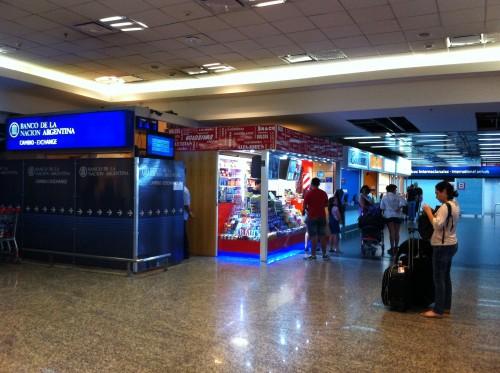 Foto da agência de câmbio do Banco Nación no Aeroparque